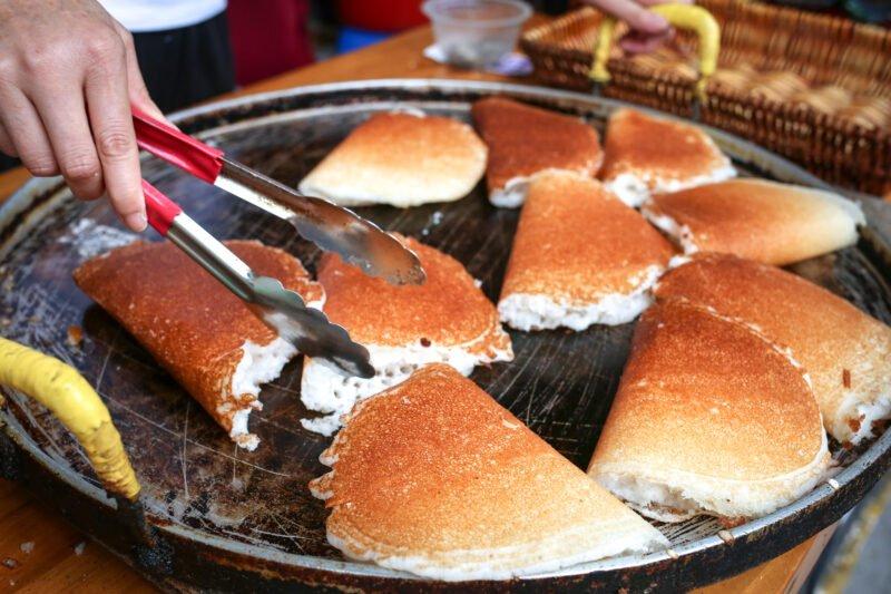 Explore Shanghai's Street Snake During Our Old Shanghai Breakfast Tour