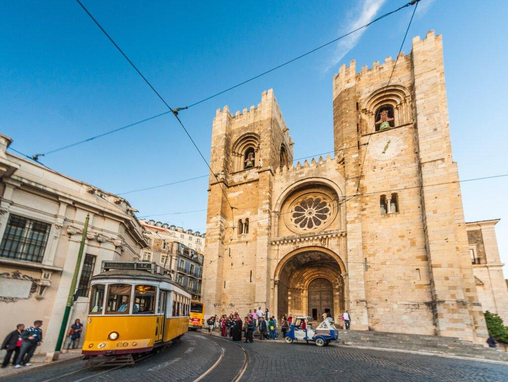Beautiful Cathedral Lisbon Design