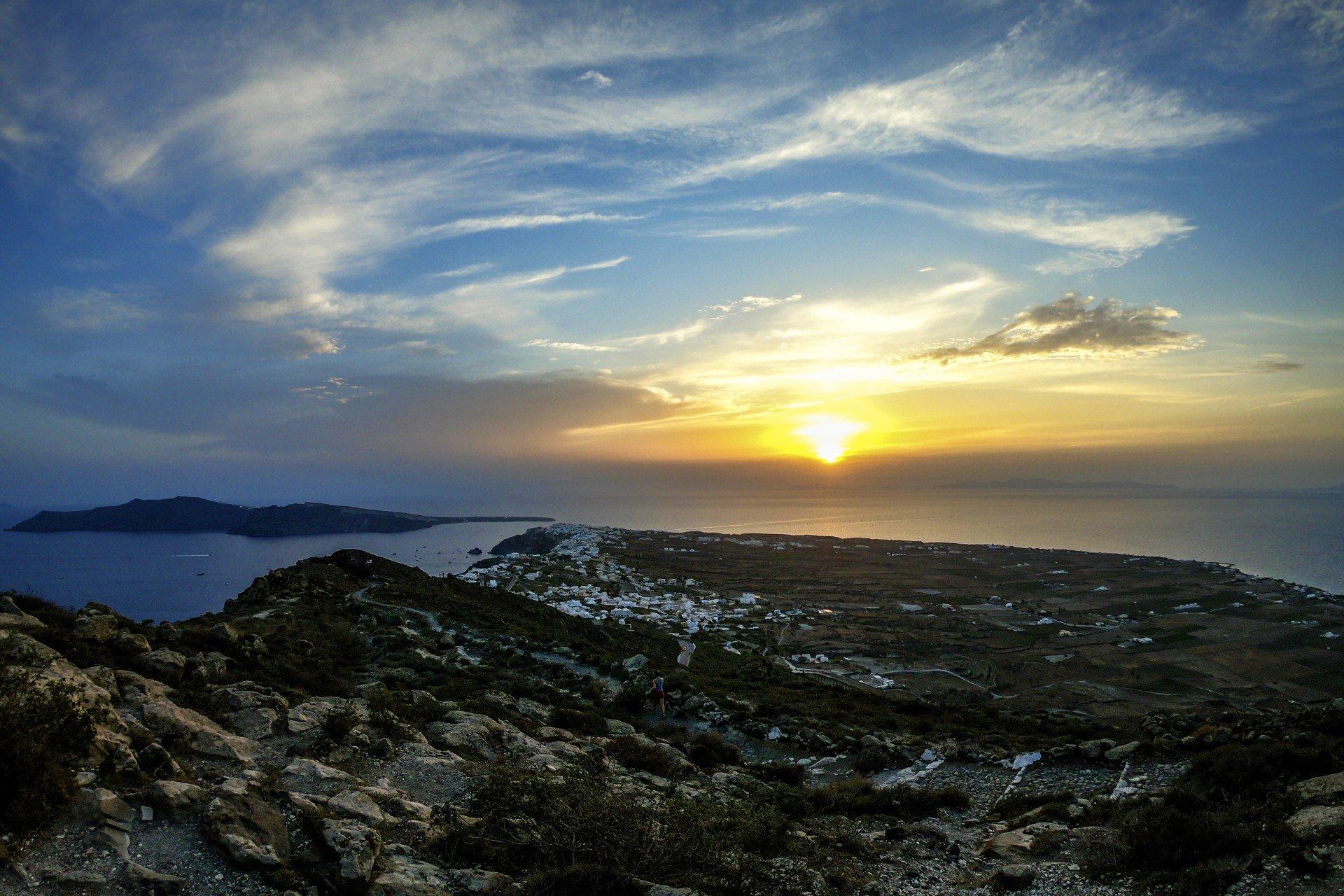 Admire The Beautiful Sunrise On The Caldera Hike & Sunset Tour In Santorini_92