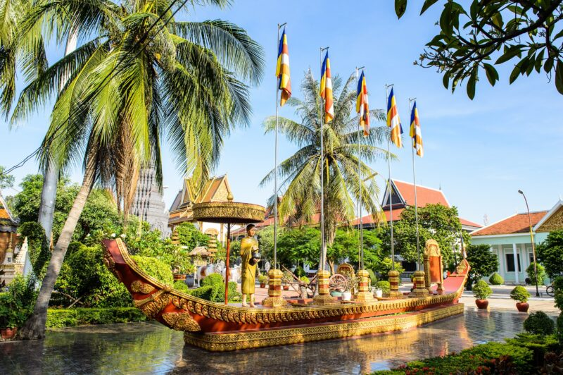 Discover Siem Reap On The Golden Triangle Of Indochina 10 Day Package Tour (vietnam - Laos - Cambodia)