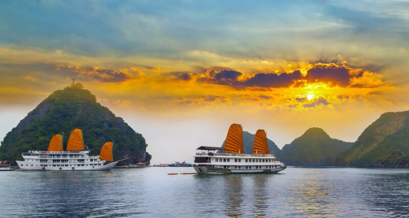 Golden Triangle Of Indochina 10 Day Package Tour (vietnam - Laos - Cambodia)