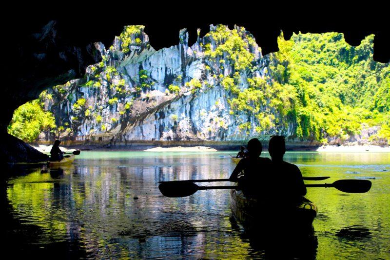 Kayak Ha Long Bay