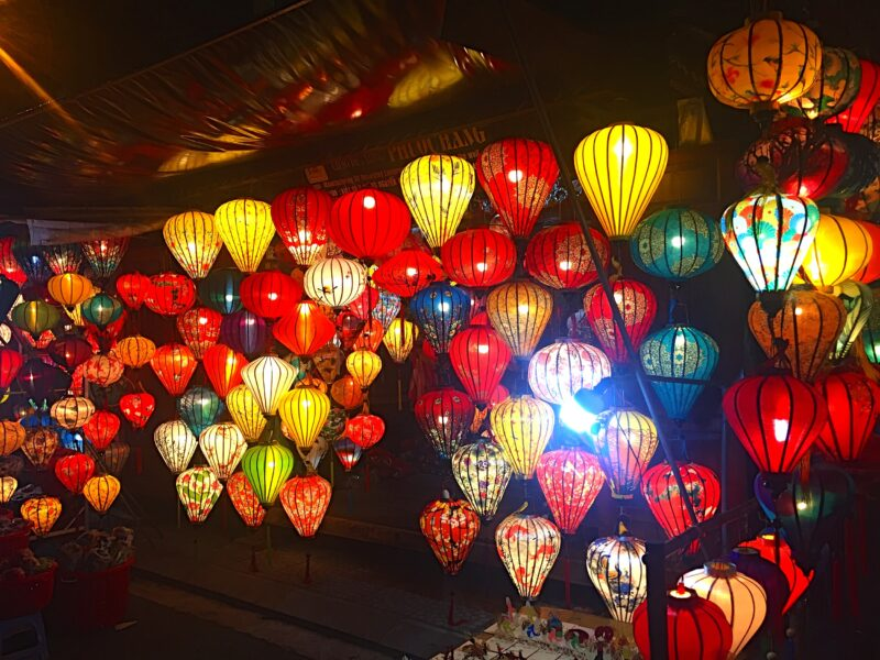 Learn How To Make The Traditional Lanterns_91