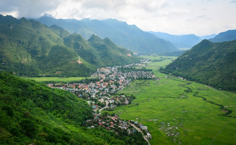 Mai Chau Village Exquisite Vietnam 13 Day Package Tour
