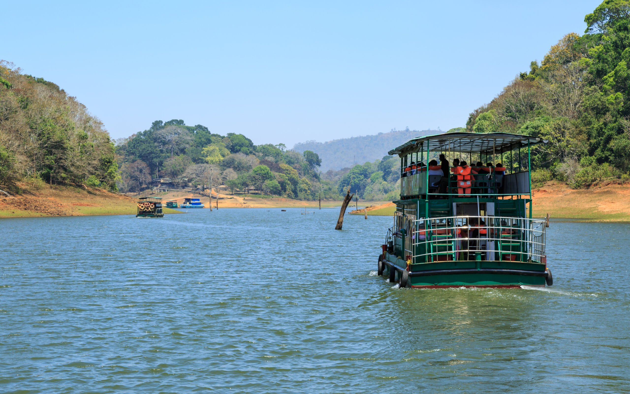 Take A Boat Cruise In Periyar Sanctuary To The Dam Catchment Area For Wildlife Sighting In Their Natural Habitat. In Our 3 Day Wildlife And Culture Tour Of Thekkady From Kochi