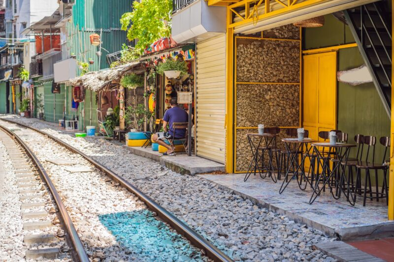 Take A Chance To Try The Small Restaurants In Hanoi During Your Free Time