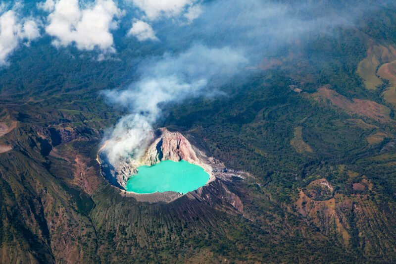 Discover Ijen Crater In Our Mount Bromo Sunrise & Ijen Blue Fire 2 Day V.i.p Tour
