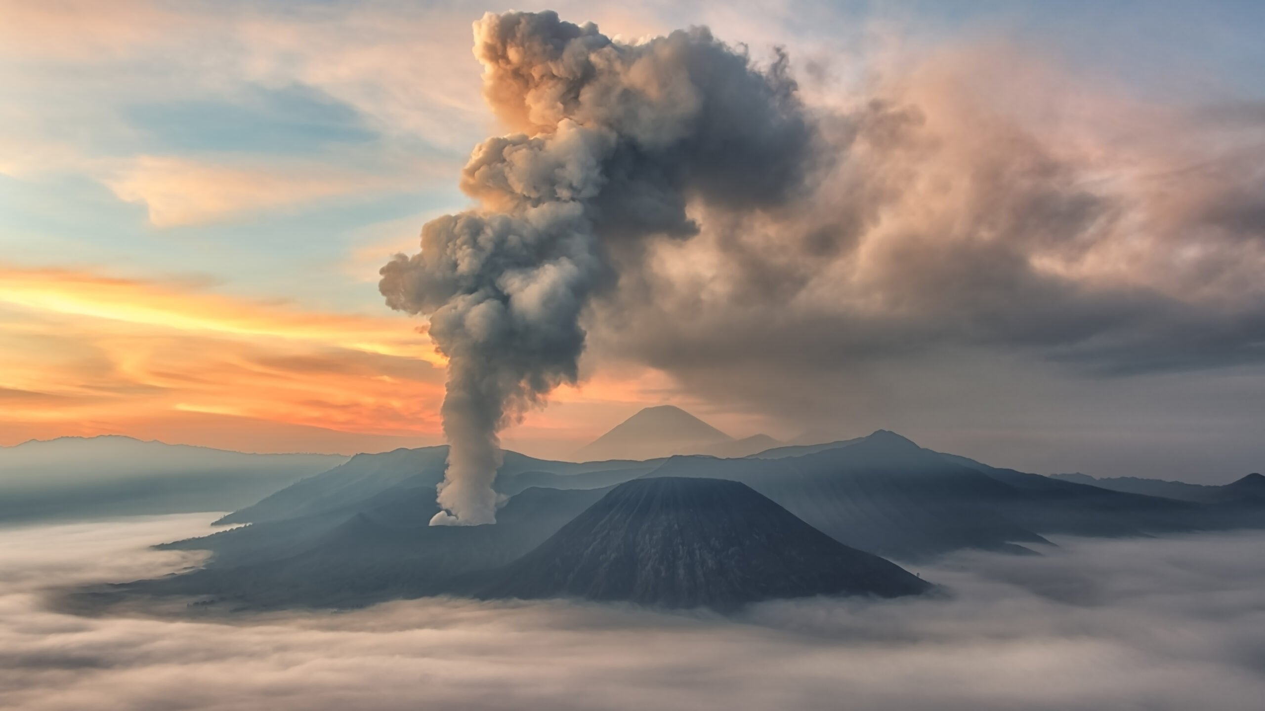 Discover Mount Bromo In Our Mount Bromo Midnight Tour
