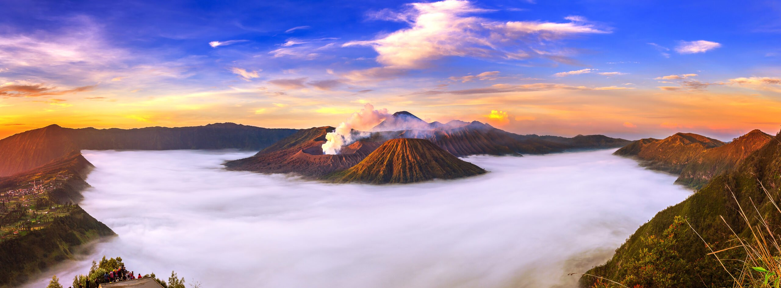 Enjoy The Breathtaking Scene Of Bromo Sunrise In Our Wonders Of East Java 4 Day V.i.p Tour