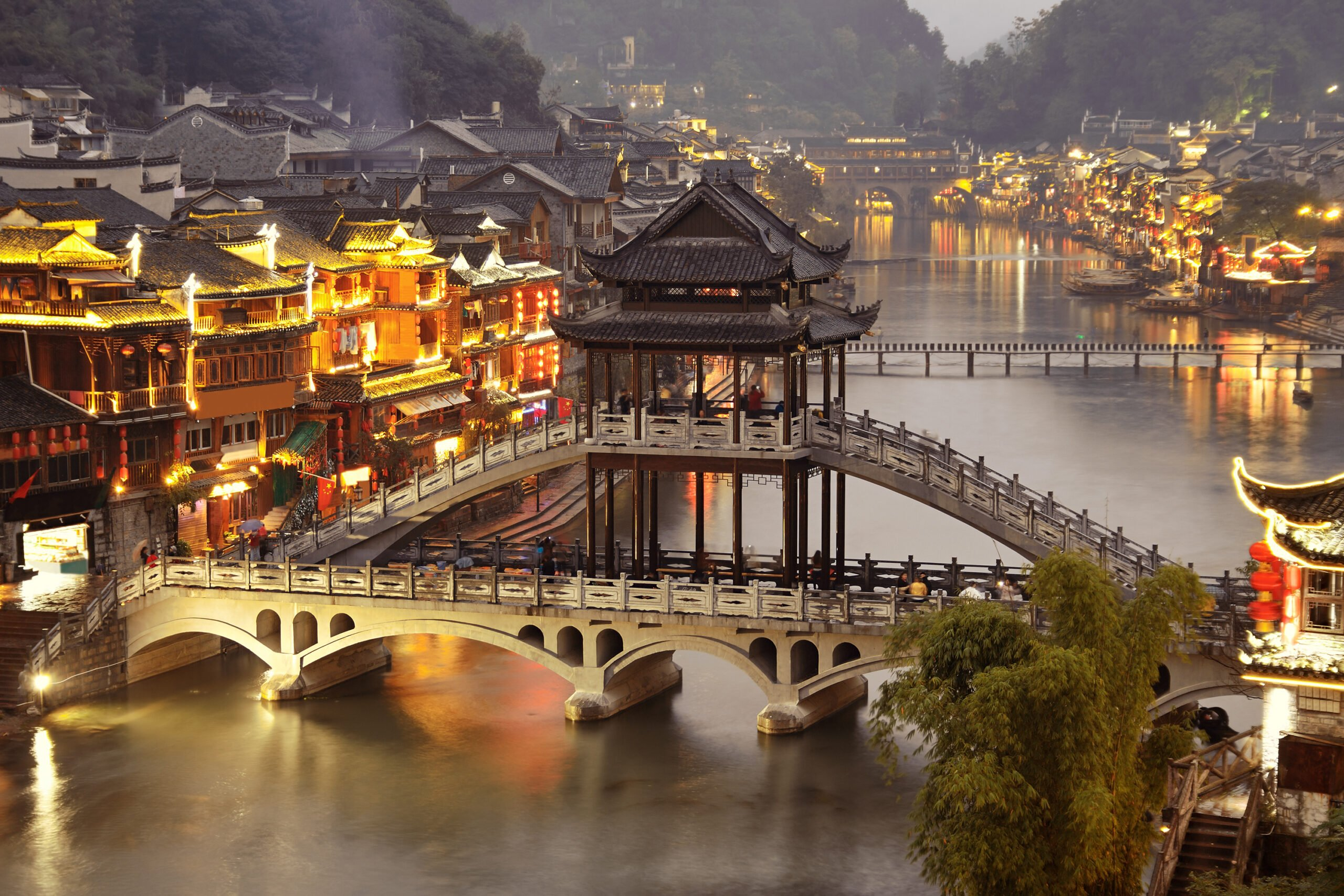 Enjoy The Photogenic Night Scenery Of Fenghuang In Our Zhangjiajie And Fenghuang 4 Day Package Tour