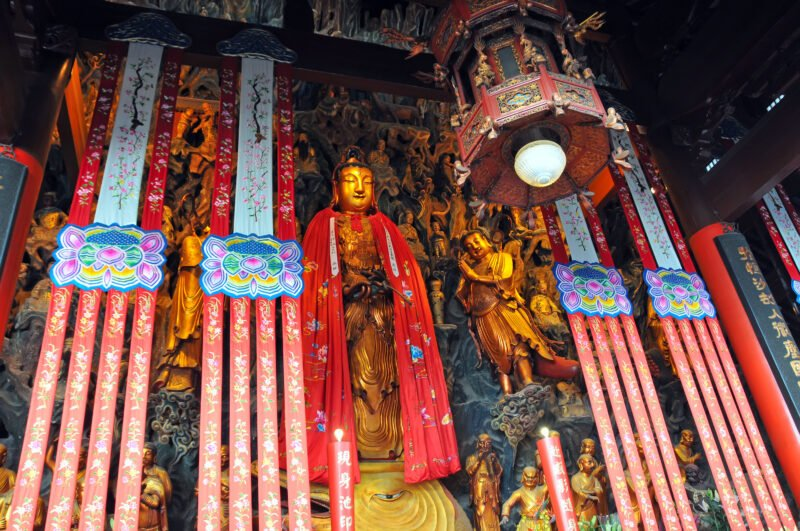 Explore Jade Buddha Temple In Our Best Of Shanghai Private Day Tour