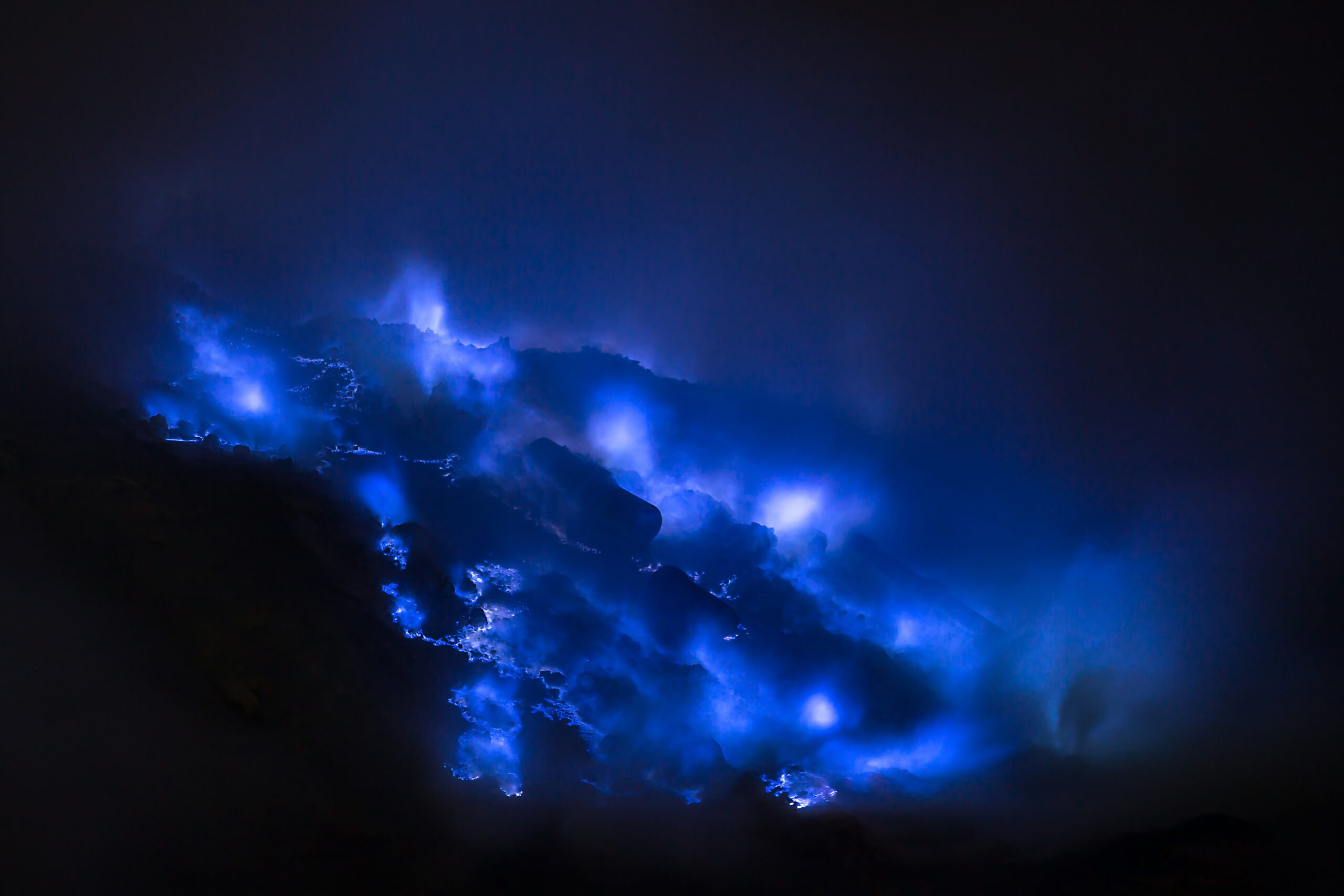 Explore The Blue Fire Of Mount Ijen In Our Mount Bromo Sunrise & Ijen Blue Fire 2 Day V.i.p Tour