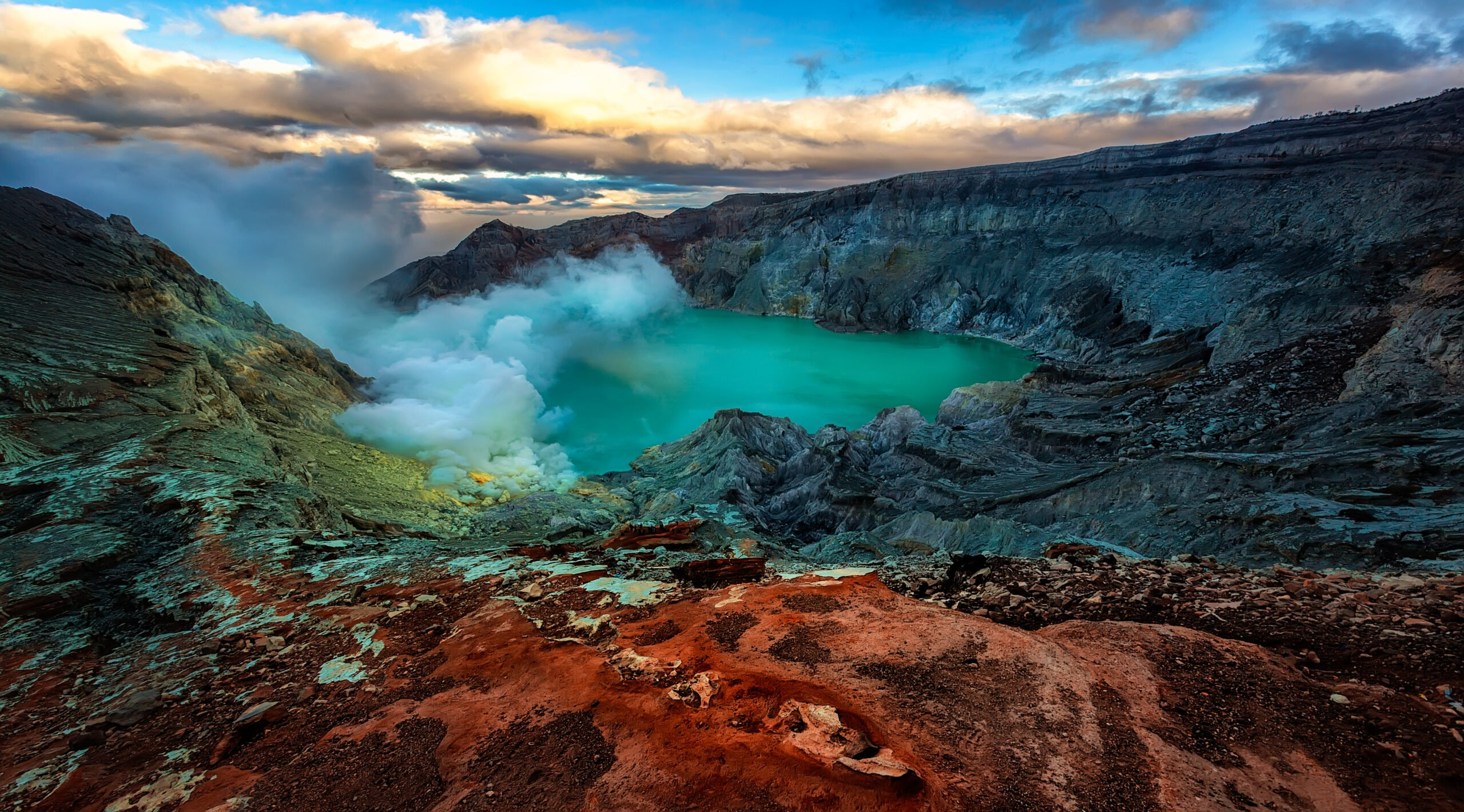 Hike Ijen Crater In Our Mount Bromo Sunrise & Ijen Blue Fire 2 Day V.i.p Tour