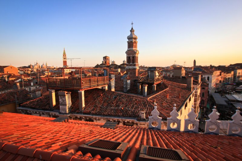 Venice Walking Tour, Gondola Ride & St Mark Cathedral And Doge's Palace