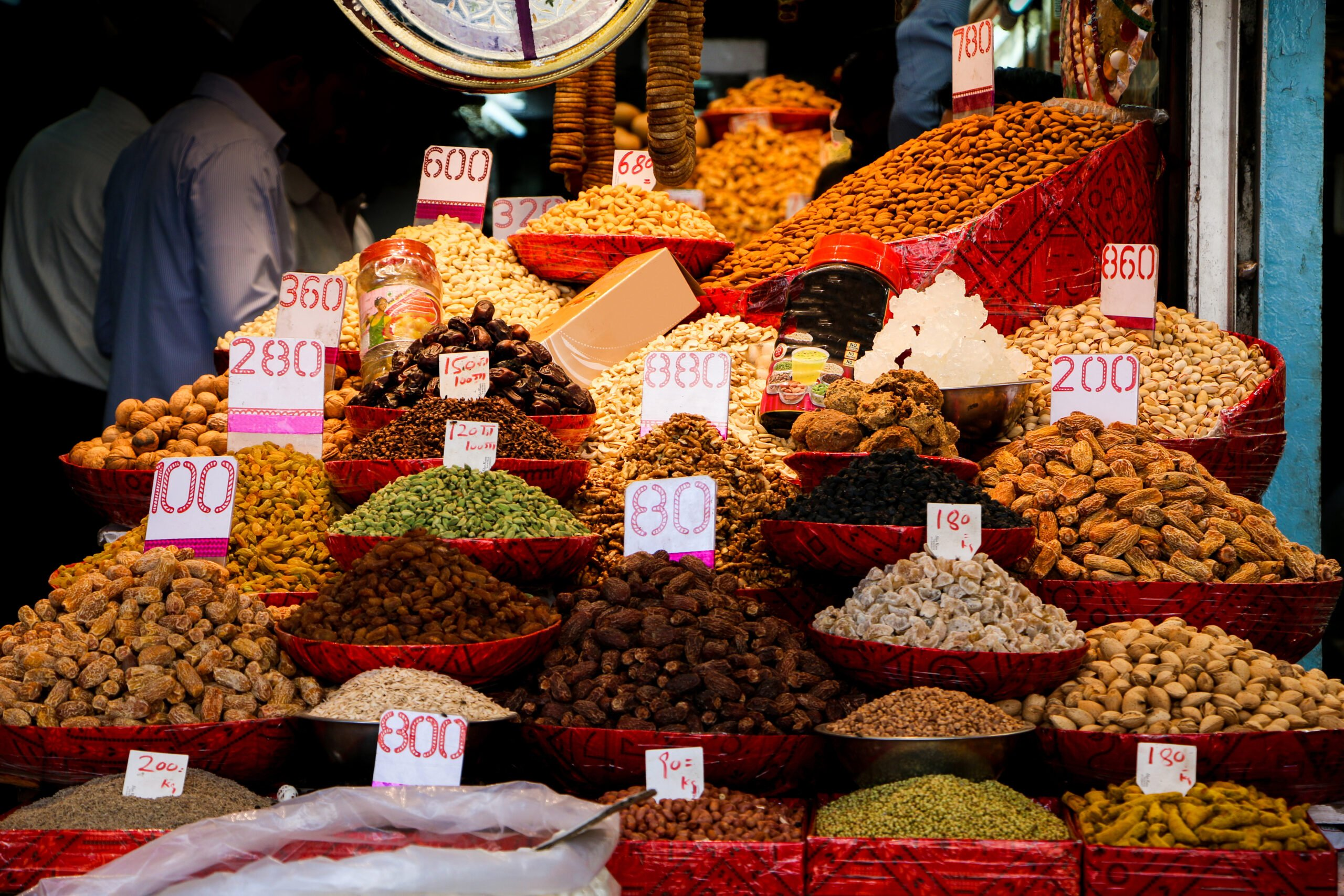 Eat Like A Local In Our Old Delhi Night Food Walk