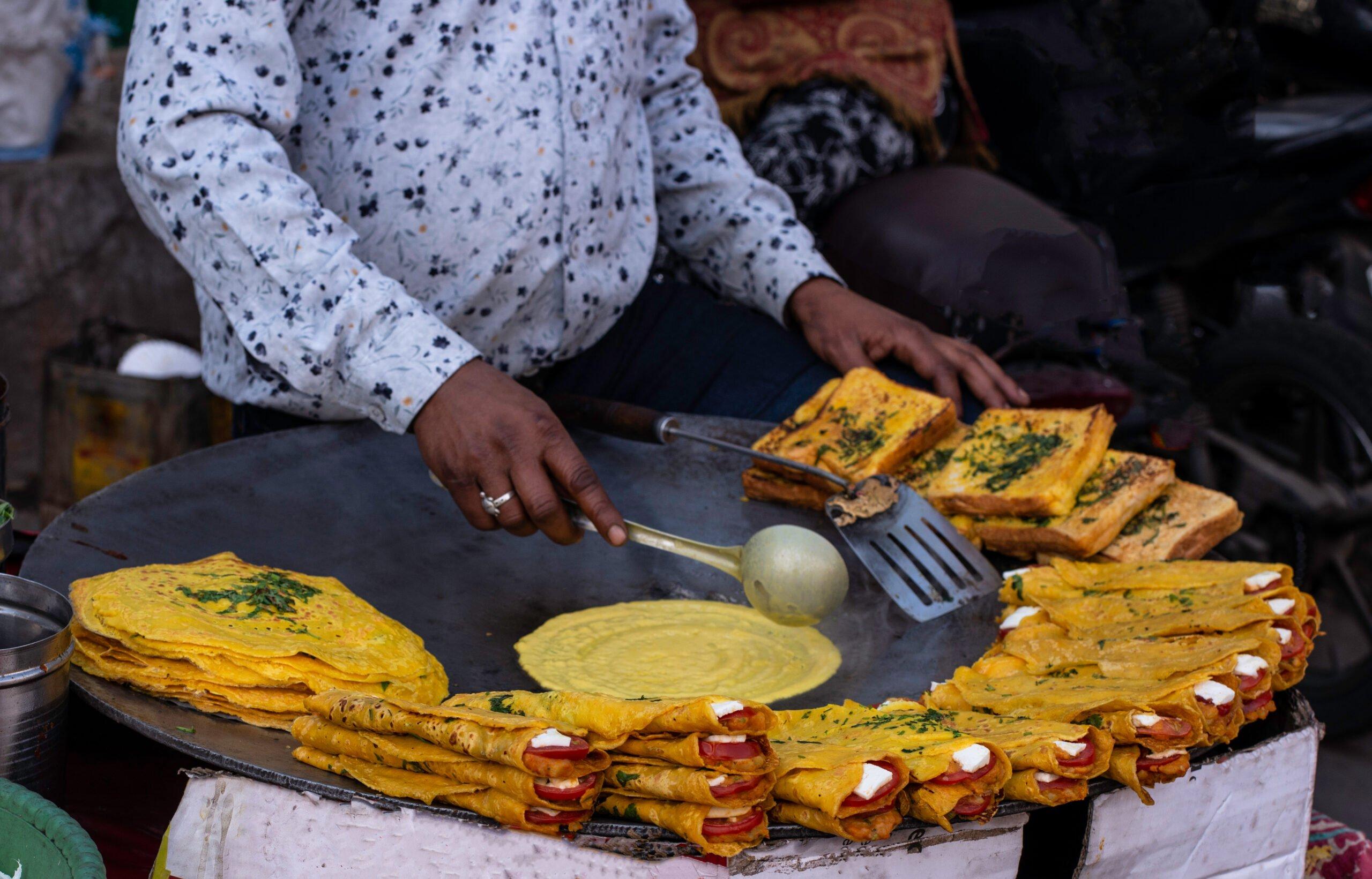 Explore Chandni Chowk Area In Our Old Delhi Night Food Walk