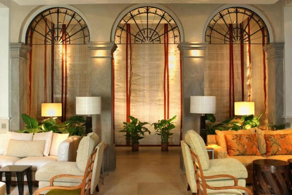 Modern Hotel Granada
