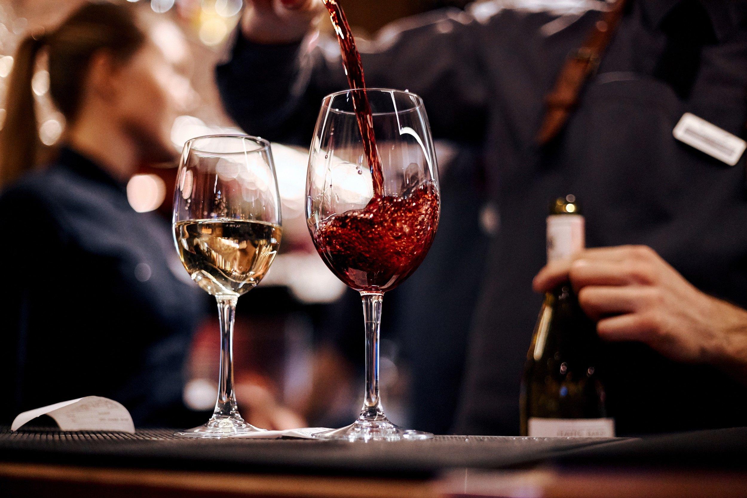 Barcelona Walking Tour & Wine Tasting Experience-3