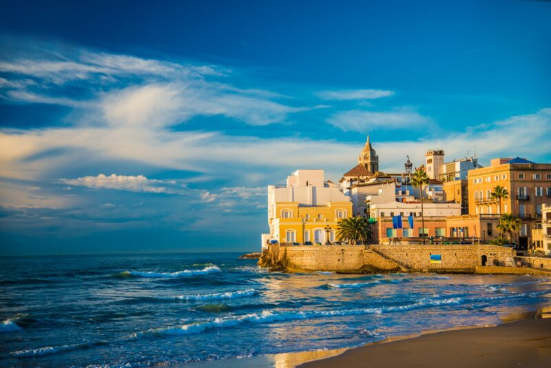 Enjoy The Sitges, Tapas & Wine Tasting Tour From Barcelona