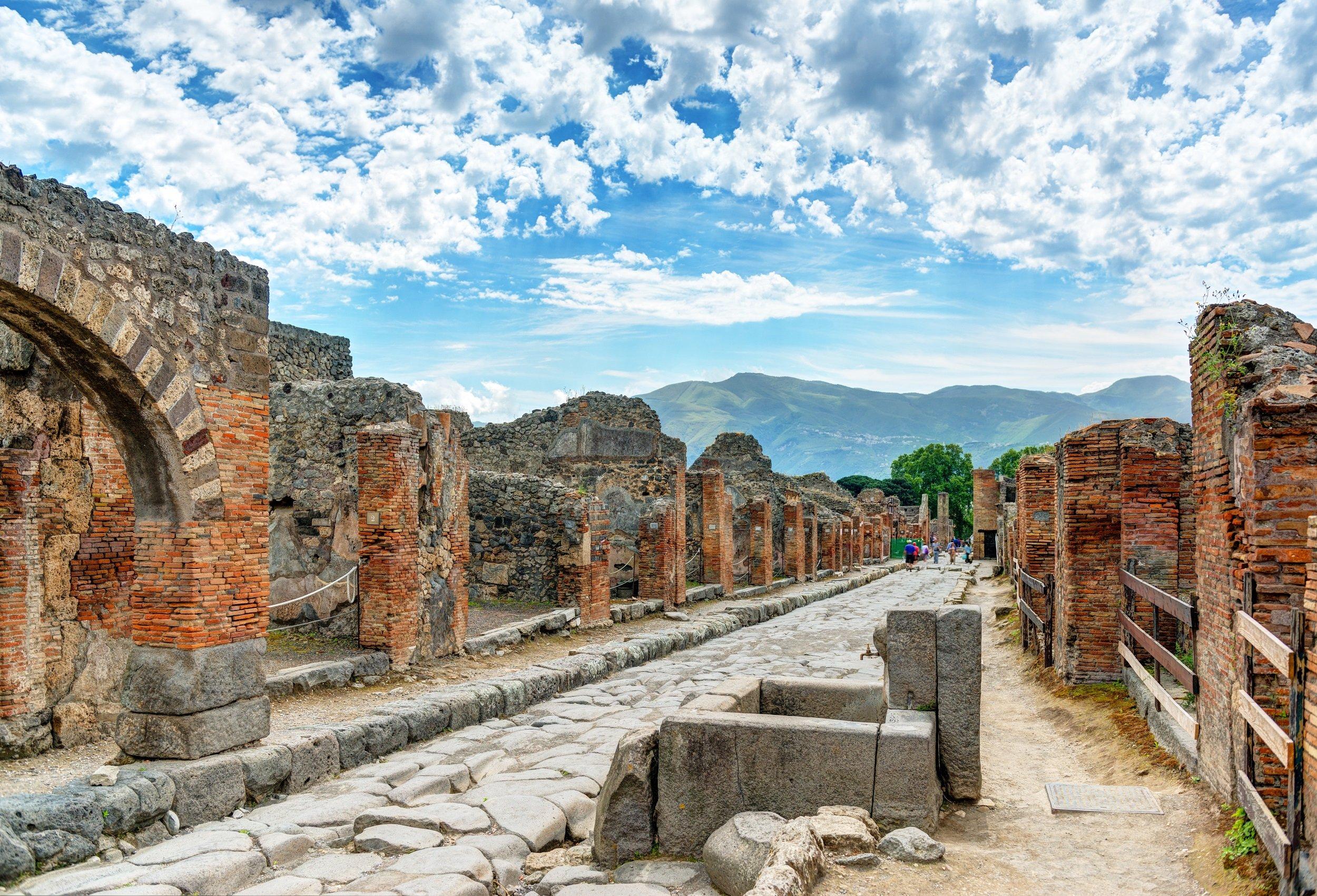 Exclusive Insider Pompeii Archaeology Tour_2