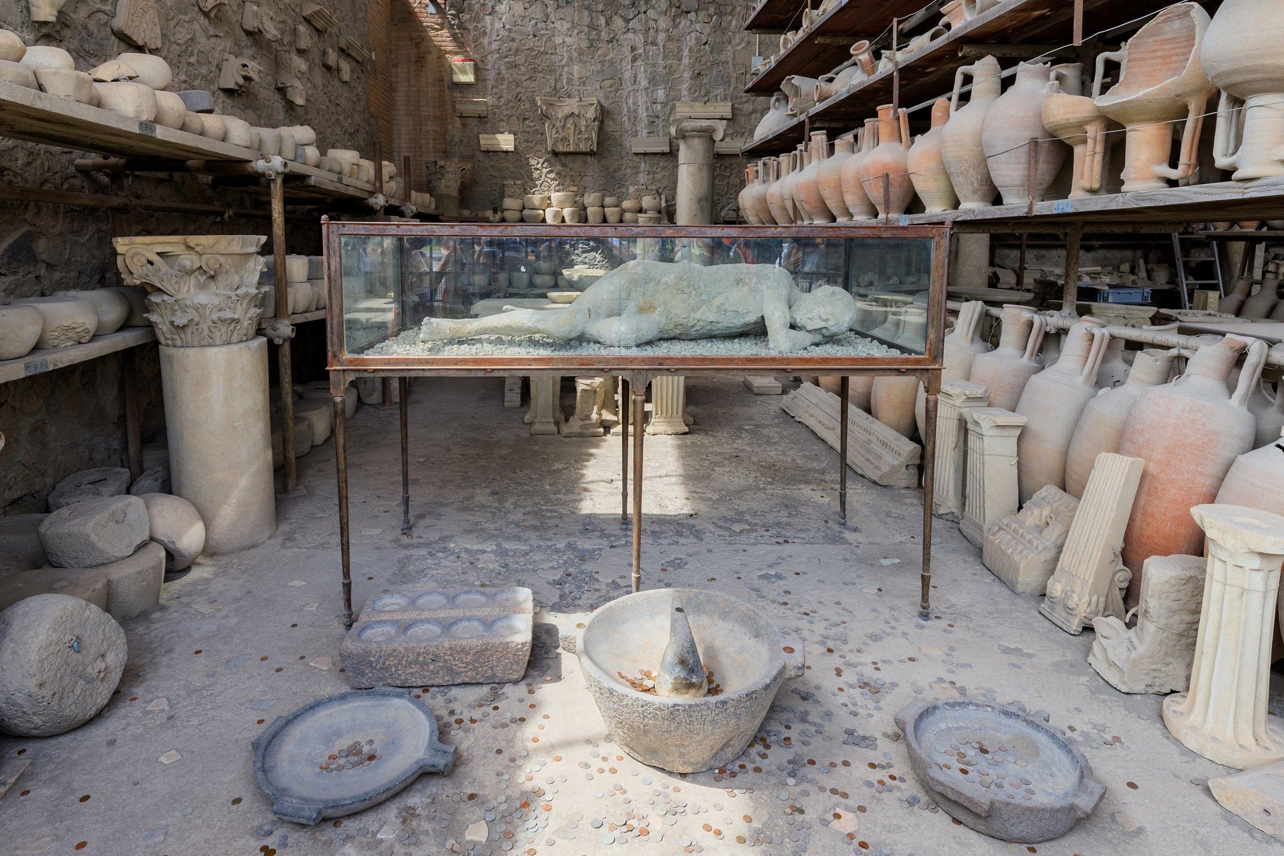 Exclusive Insider Pompeii Archaeology Tour_3