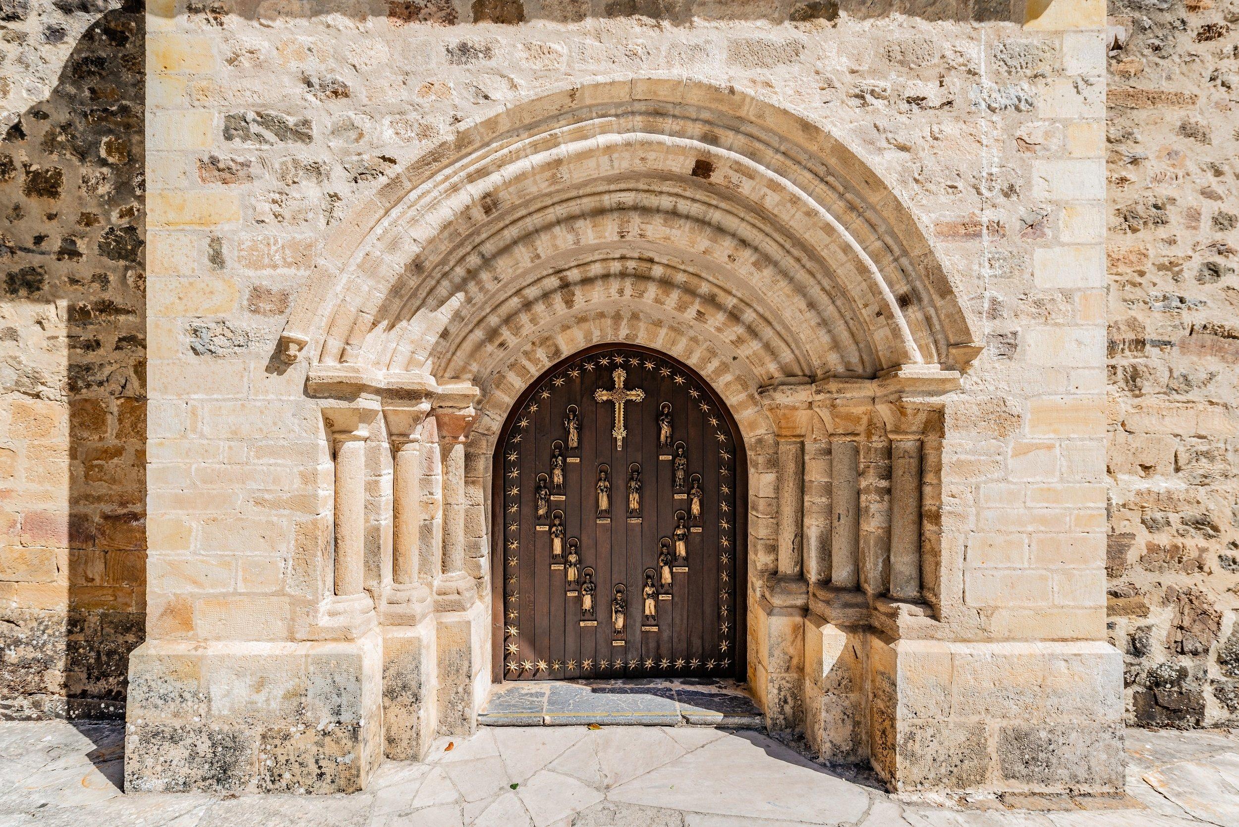 Monastery Of Santo Toribio & San Sebastián De Garabandal Pilgrimage Tour From Santander, Torrelavega & Unquera_1
