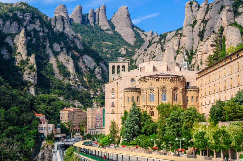 Join The Montserrat, Food & Wine Tour With Cogwheel Train Ride From Barcelona