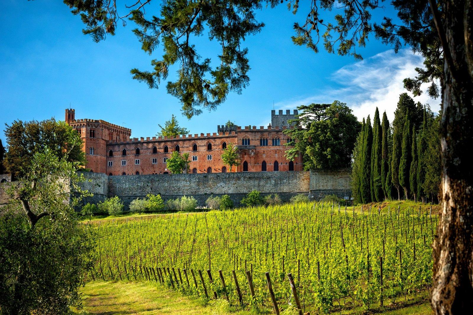 San Gimignano Chianti Siena Monteriggioni Tour From Montecatini