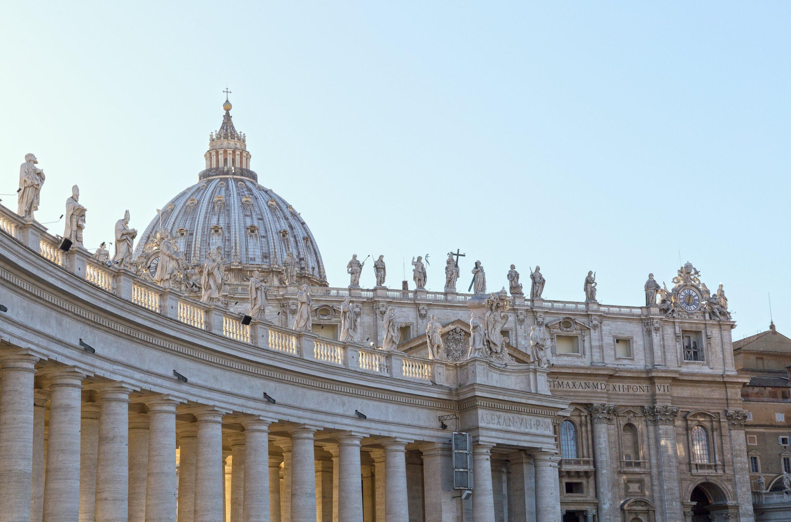 St. Peter's Dome Climb, Basilica & Vatacombs Tour