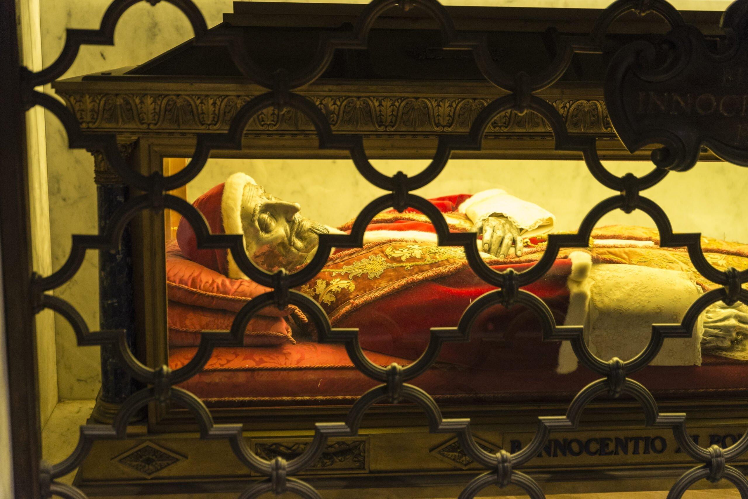 St. Peter's Dome Climb, Basilica & Vatacombs Tour_110_1