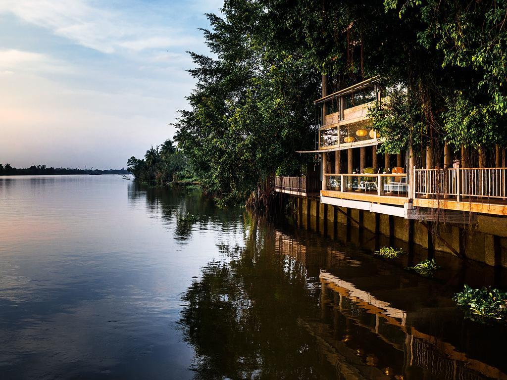 An Lam Retreats Saigon River