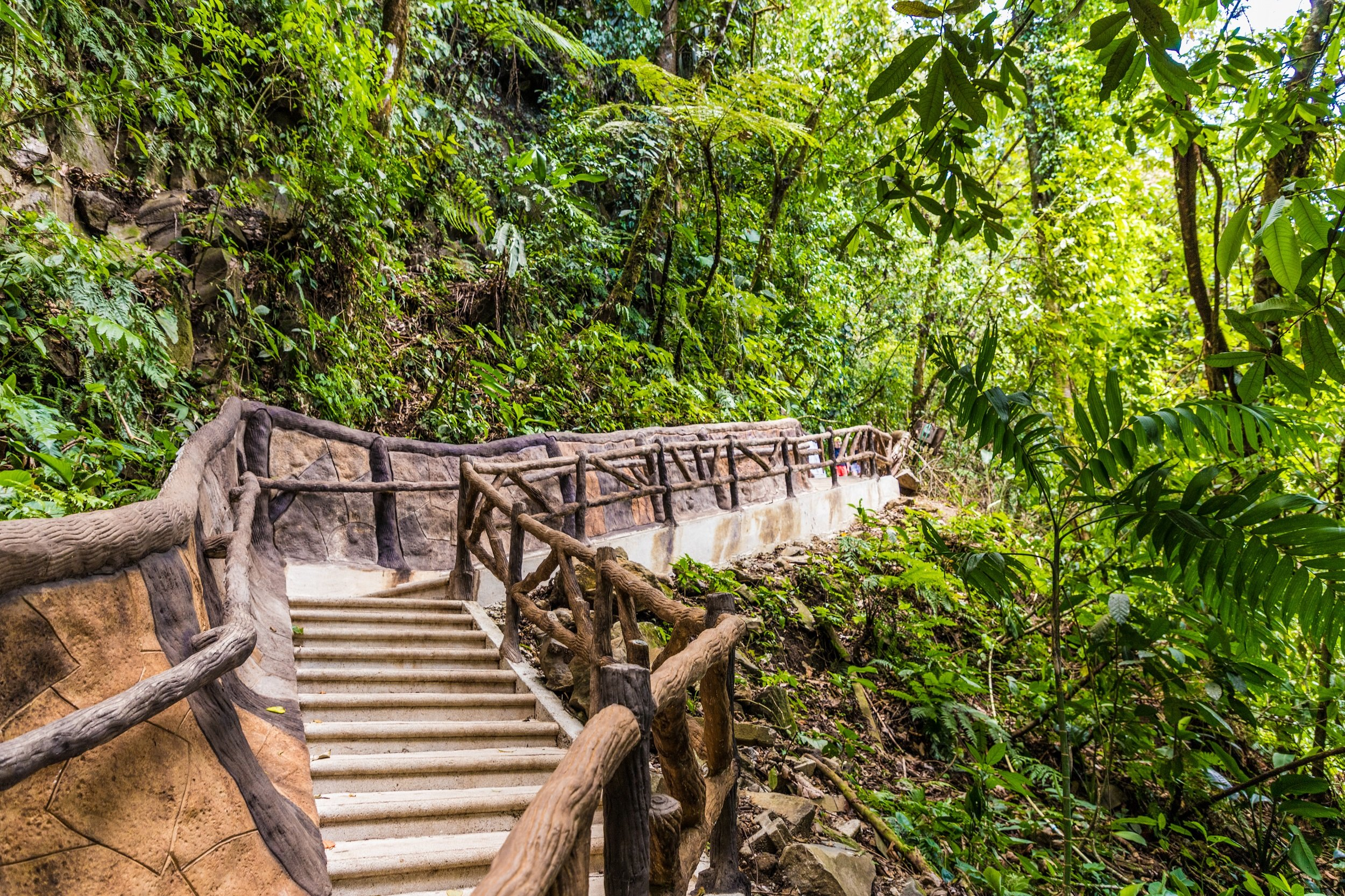 Arenal-hanging-bridges-la-fortuna-waterfall-and-chocolate-tasting-tour-from-la-fortuna-arenal_