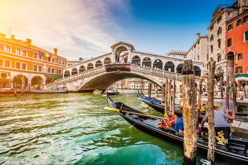 Arrival In Venice On The Venice, Verona, Lake Garda & Countryside 5 Day Tour Package
