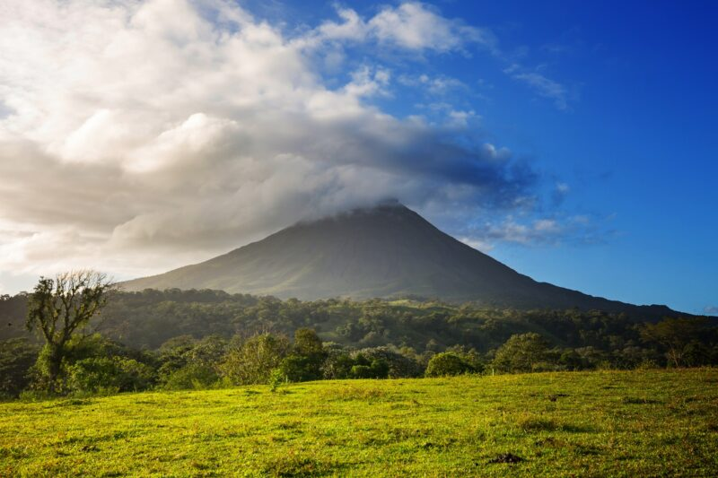 Join-our-la-fortuna-waterfall-and-arenal-volcano-hiking-tour-from-la-fortuna-arenal