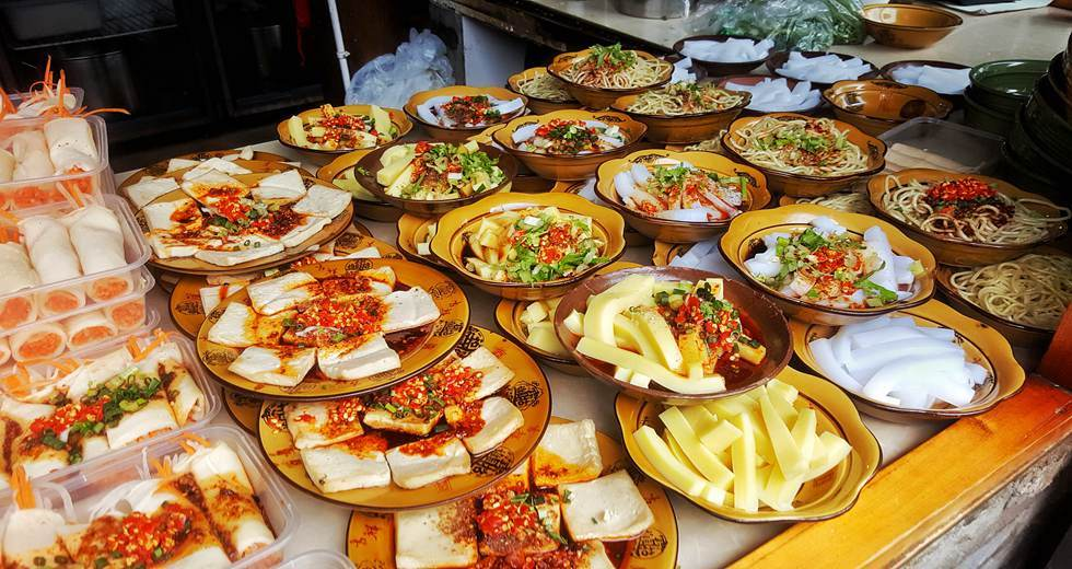 Sample 12 To 15 Different Sichuan Dishes At Four Or Five Separate Eateries In Our Chengdu Foodie Tour