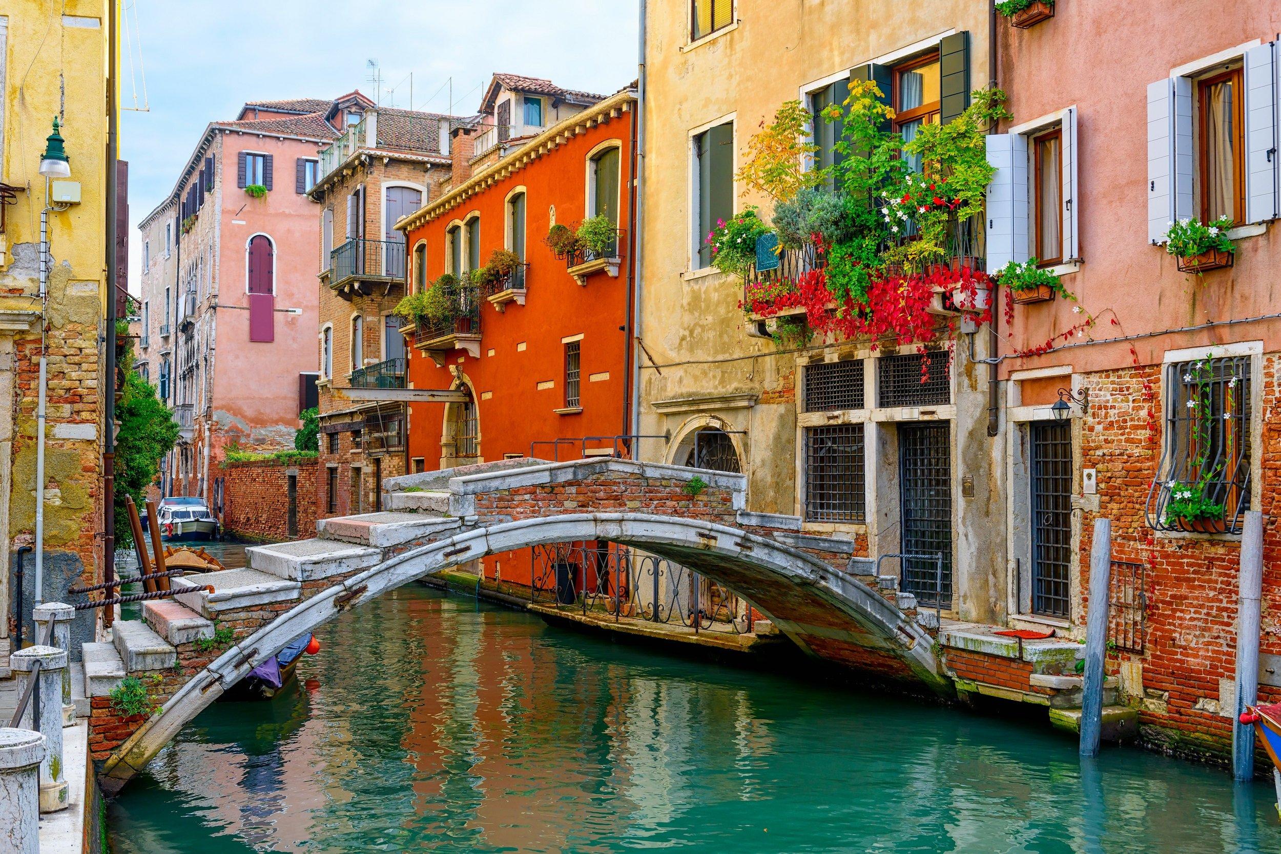 Venice, Verona, Lake Garda & Countryside 5 Day Tour Package_1