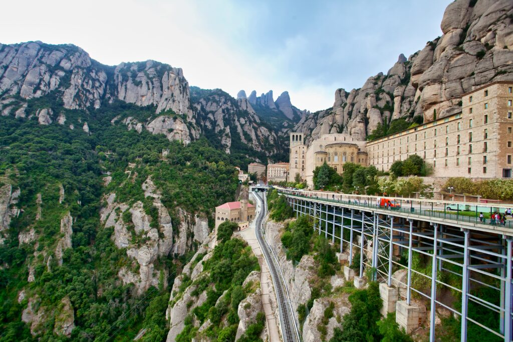 How to get from Barcelona to Montserrat