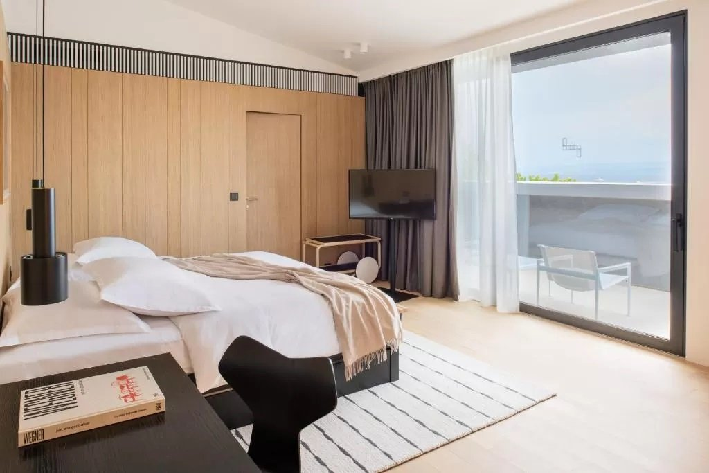 Large windows offer picture perfect views at Briig Boutique Hotel