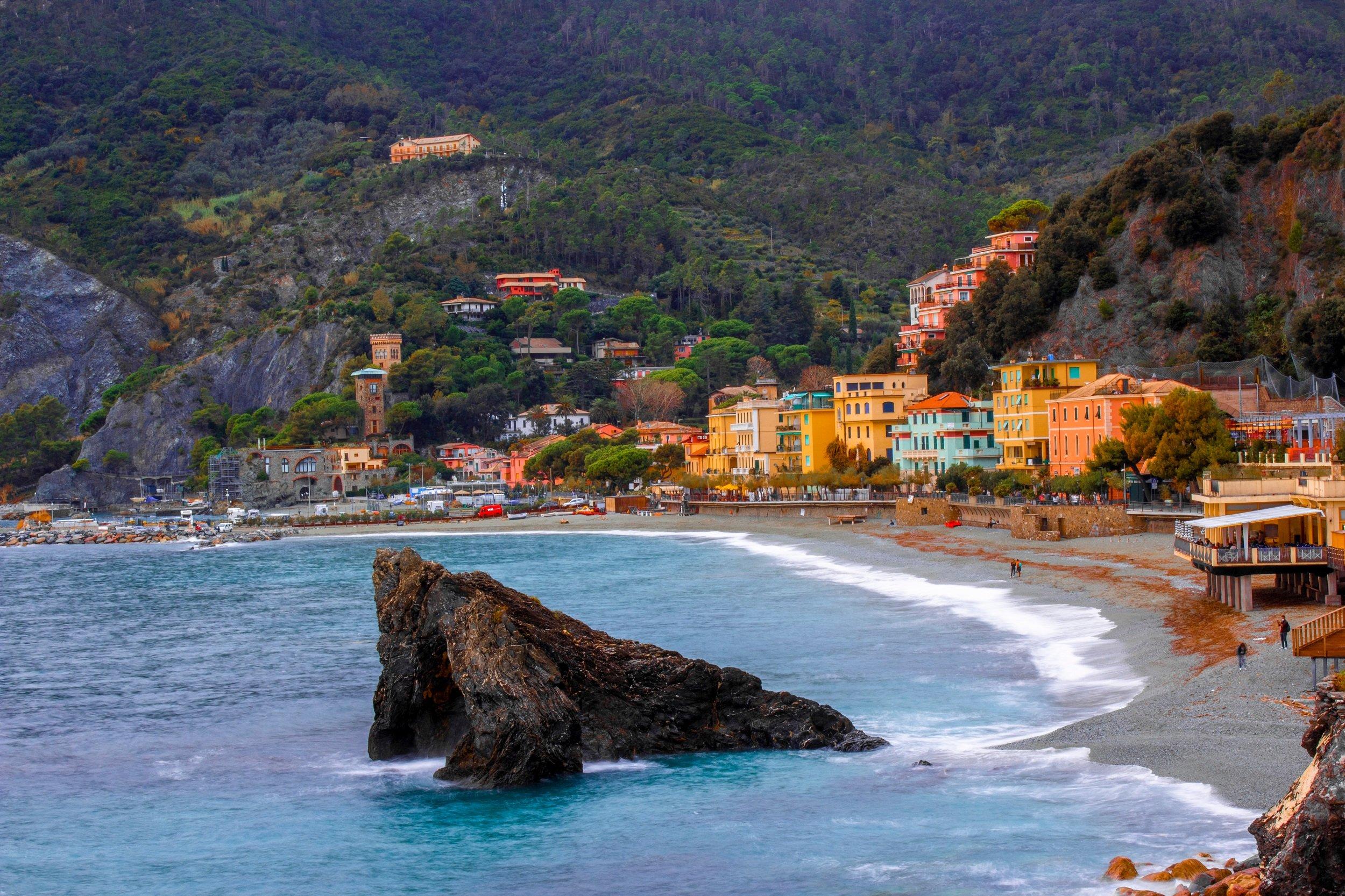 Cinque Terre Sunset Kayak Tour & Aperitif From Monterosso