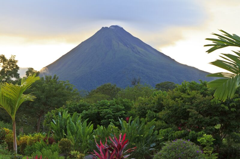 Join The Arenal & La Fortuna 6 Day Tour Package