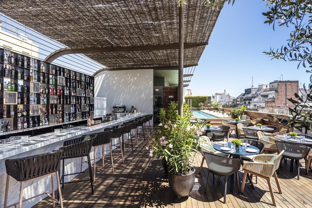 Rooftop bar and terrace at Sir Victor Hotel