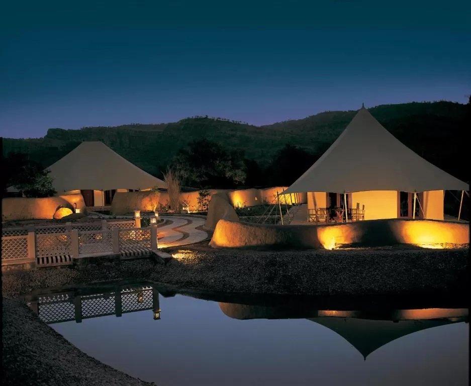 Tented rooms at Oberoi Vanyavilas Wildlife Resort