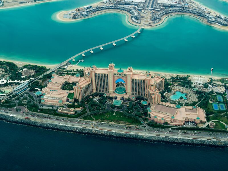 Visit Palm Island On Our Dubai Night Tour & Dhow Cruise Dinner