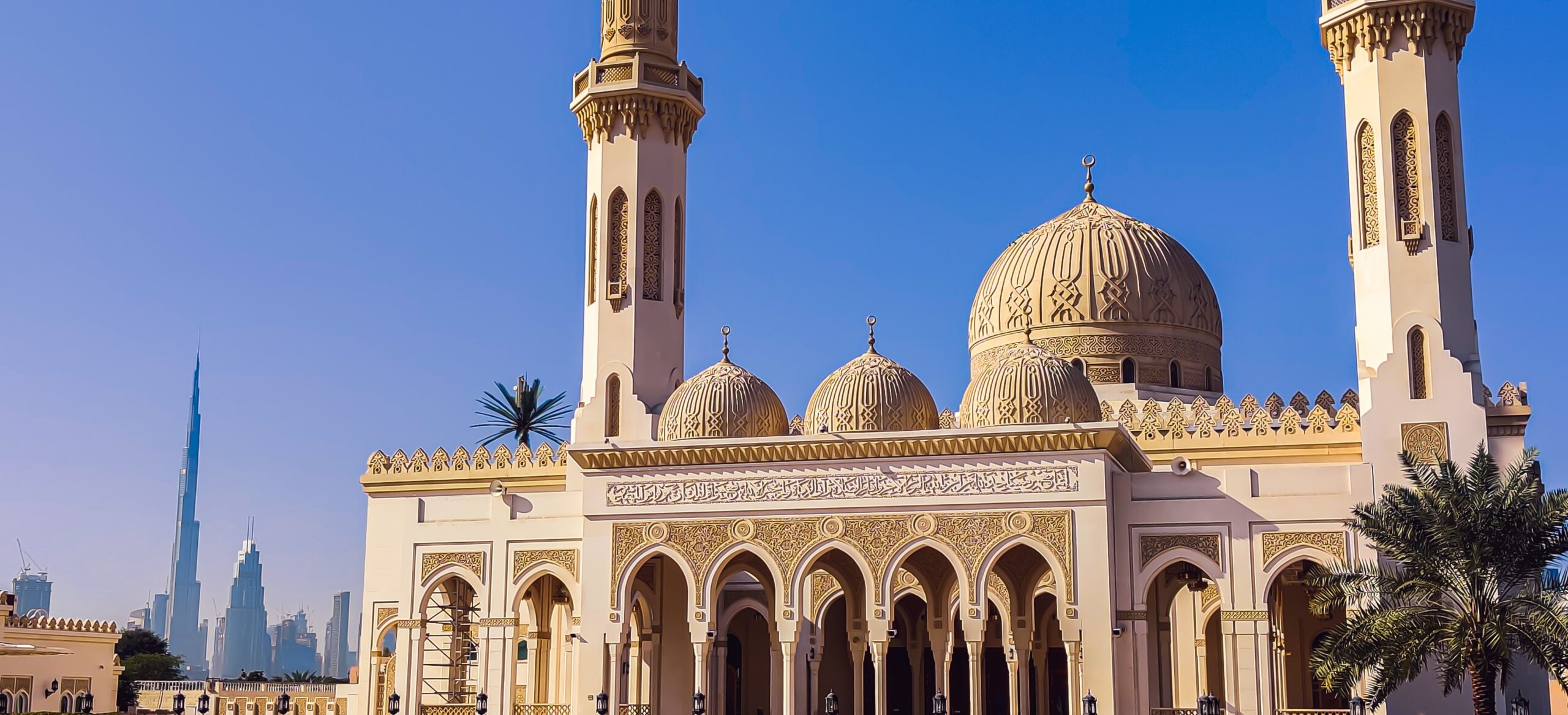 Jumeirah Mosque On Our Visit Dubai On Our Classic Dubai Half Day Tour