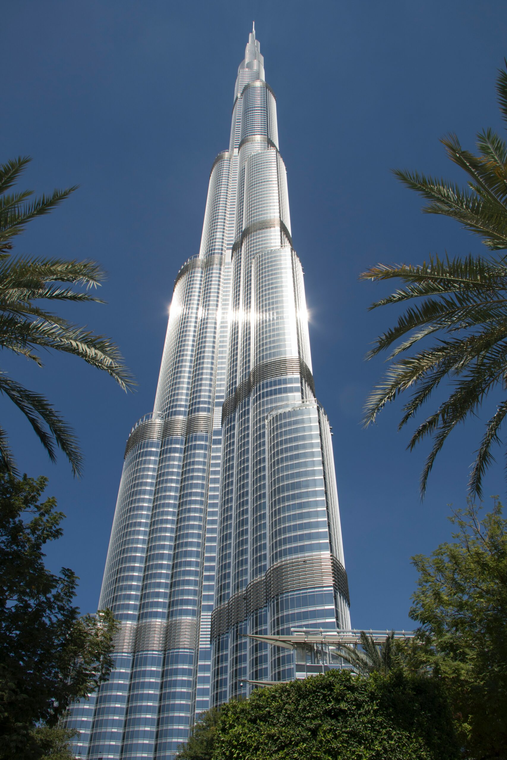 Visit The Tallest Building In The World On Our Dubai Night Tour & Dhow Cruise Dinner