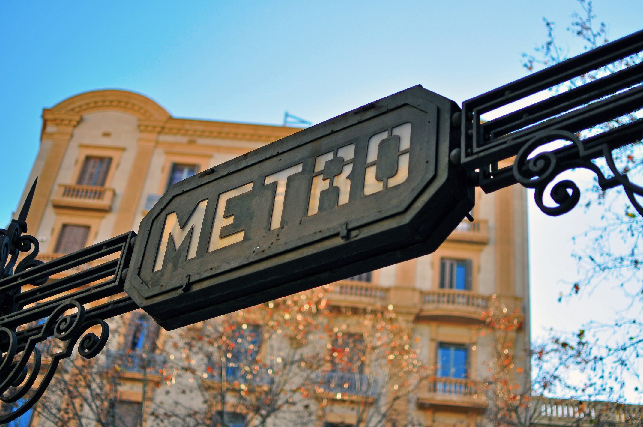 Getting to Barcelona Airport by metro
