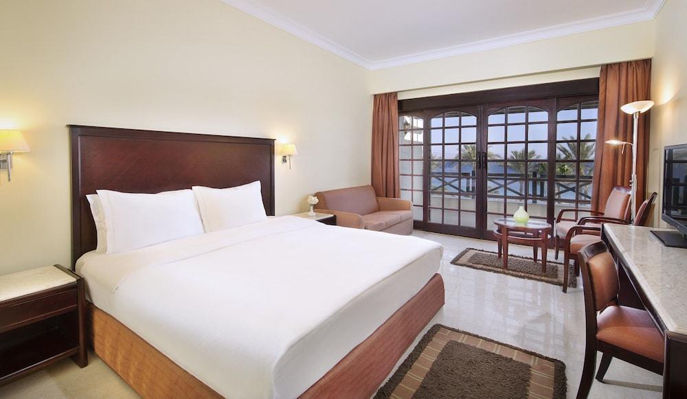 Crisp decor at Hilton Taba Hotel & Nelson Village