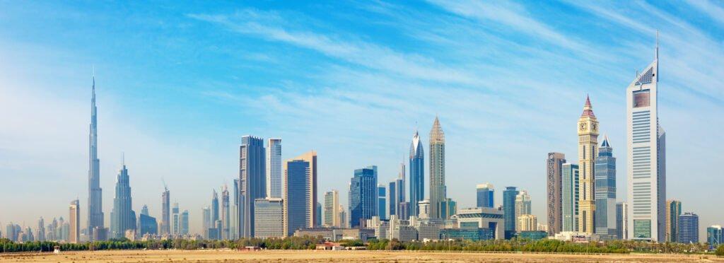 Take a tour to explore the Dubai skyline