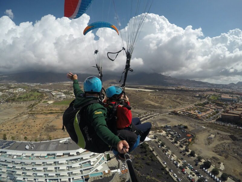 Standard Paragliding Fight In Tenerife_3