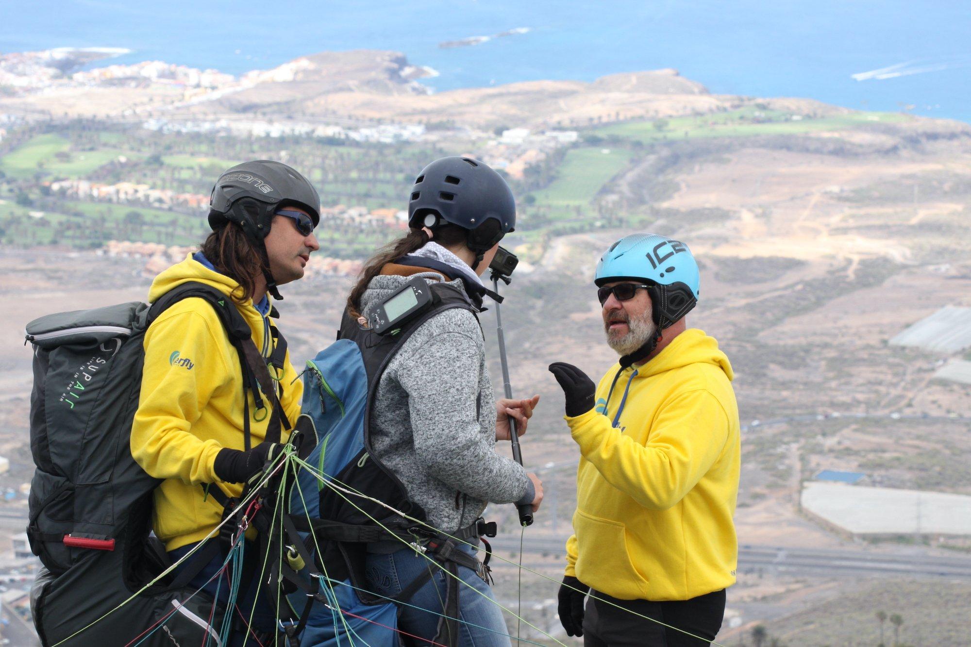 Performance Paragliding Flight In Tenerife_1
